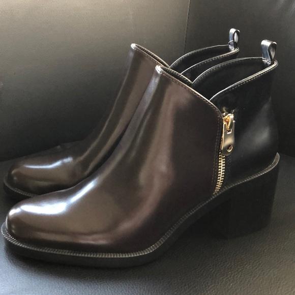 The long dark boots full